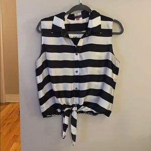 Vince Canute black and white striped blouse